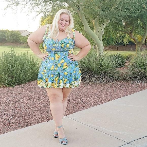 Dresses & Skirts - Ruffle lemon dress
